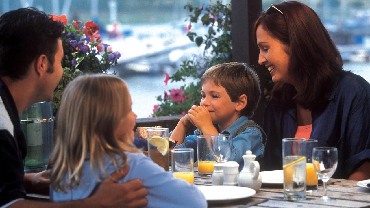 http://demartinconstrutora.com.br/conheca-opcoes-de-restaurantes-para-curtir-com-a-familia-em-vila-velha/